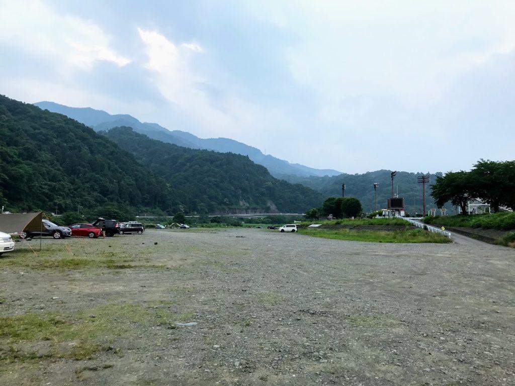 田代運動公園、中津川河川敷