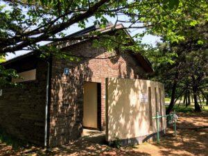 城南島海浜公園キャンプ場トイレ