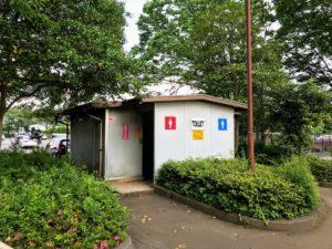 郷土の森公園バーベキュー場近くのトイレ