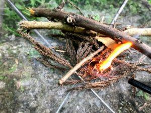 日影沢キャンプ場焚き火点火