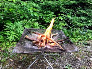 日影沢キャンプ場焚き火小枝