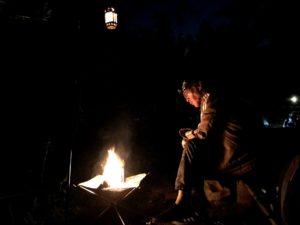 日影沢キャンプ場で焚き火