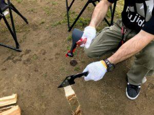 焚き火用薪の準備